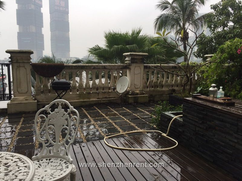 wonderful 3 bedrooms duplex  with 100sqm private  garden  in shekou  for rent