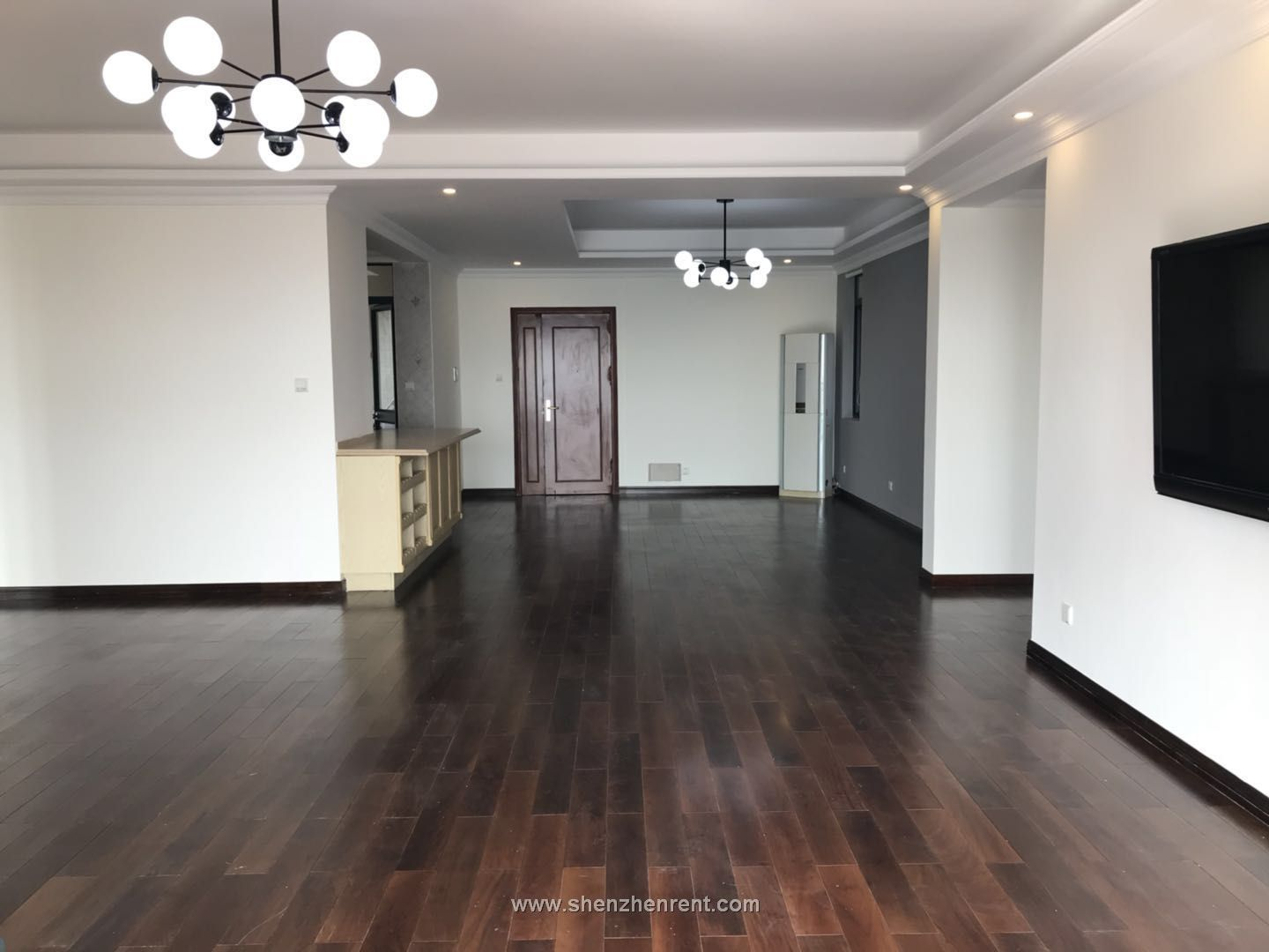 New decoration 4 bedrooms apartment in shekou rose garden for rent
