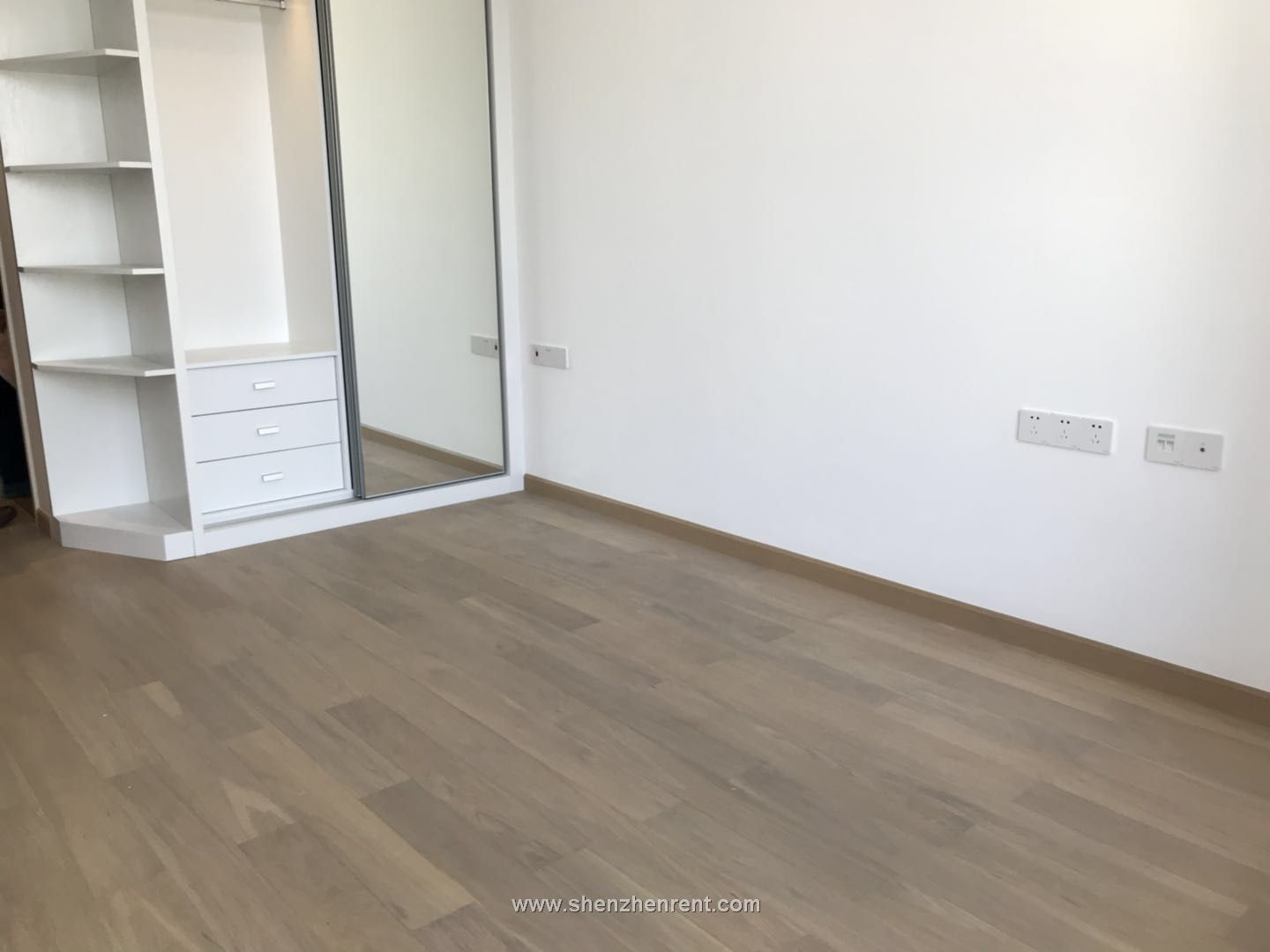 Newly renovated studio in shekou for rent