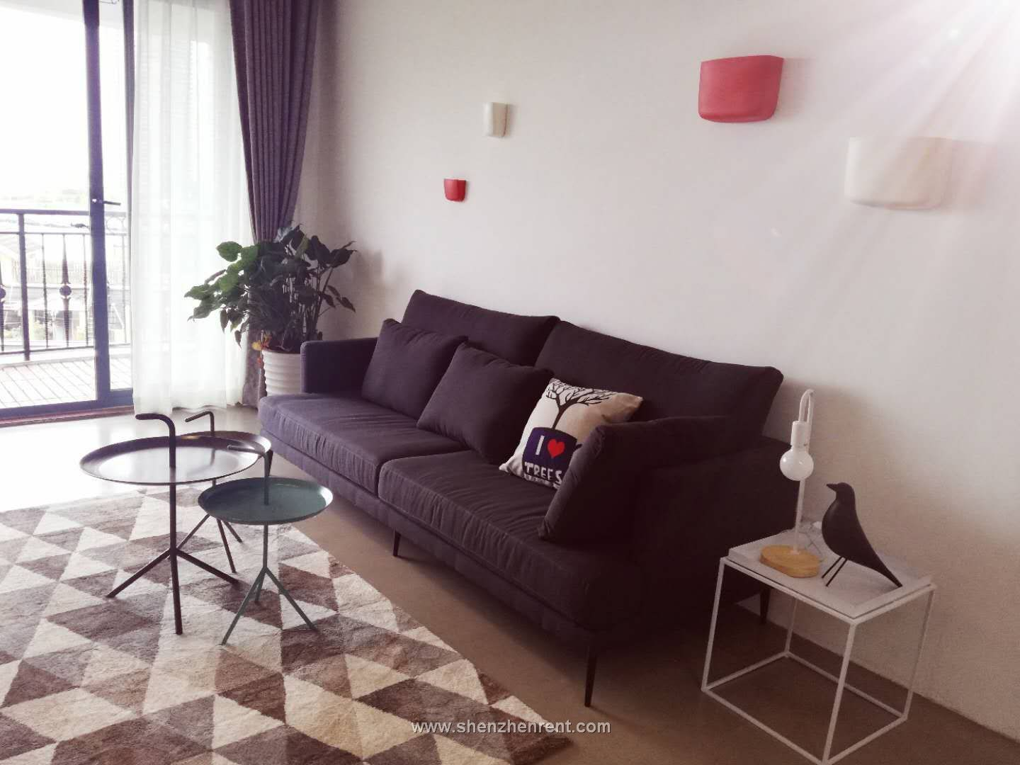 Newly renovated 2 bedrooms apartment in shekou for rent