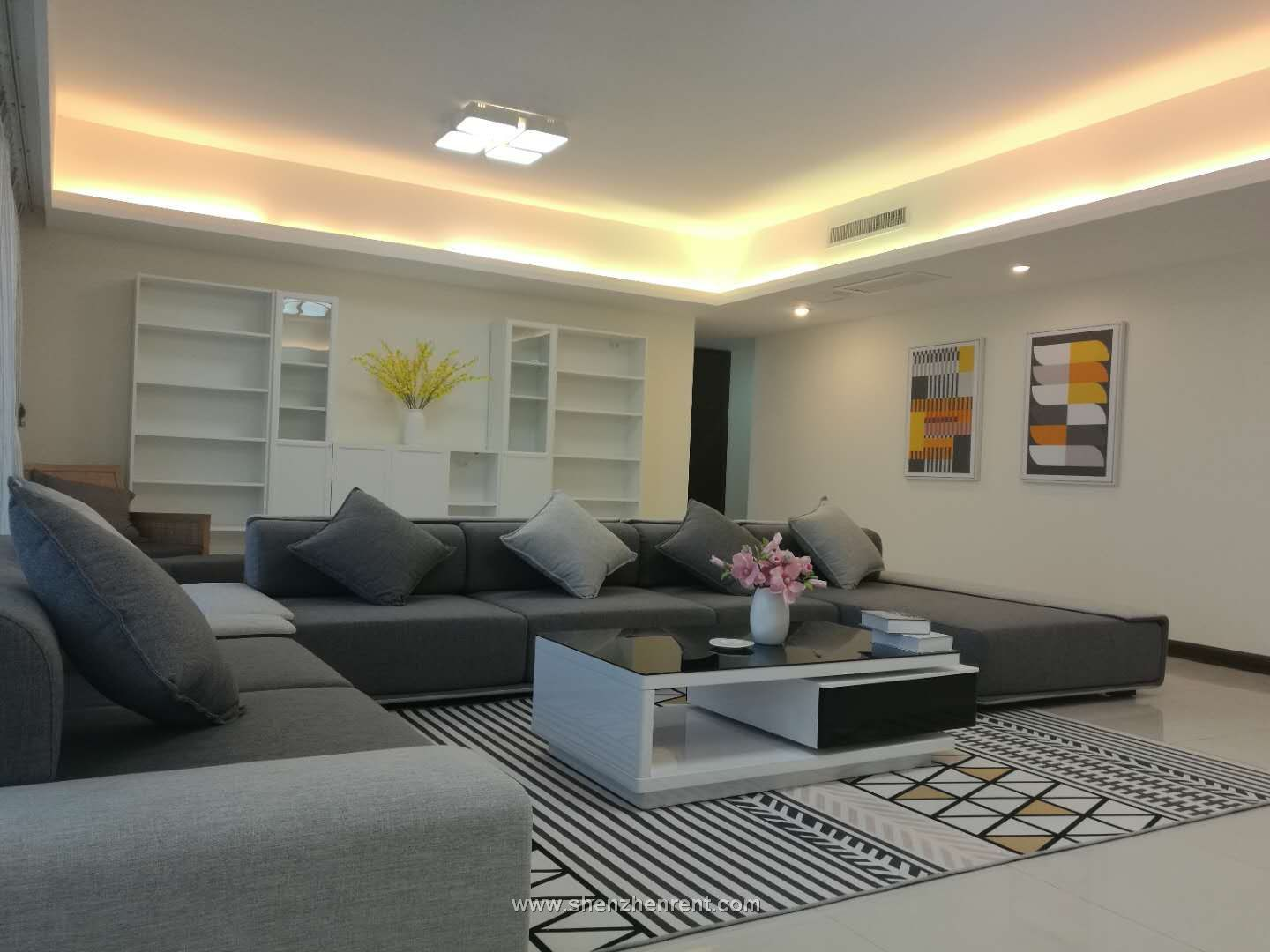 Newly renovated 4 bedrooms apartment with very big balcony in shekou for rent