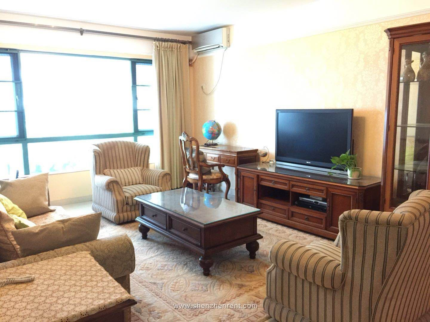 Nice and cheap 3 bedrooms apartment in shekou for rent
