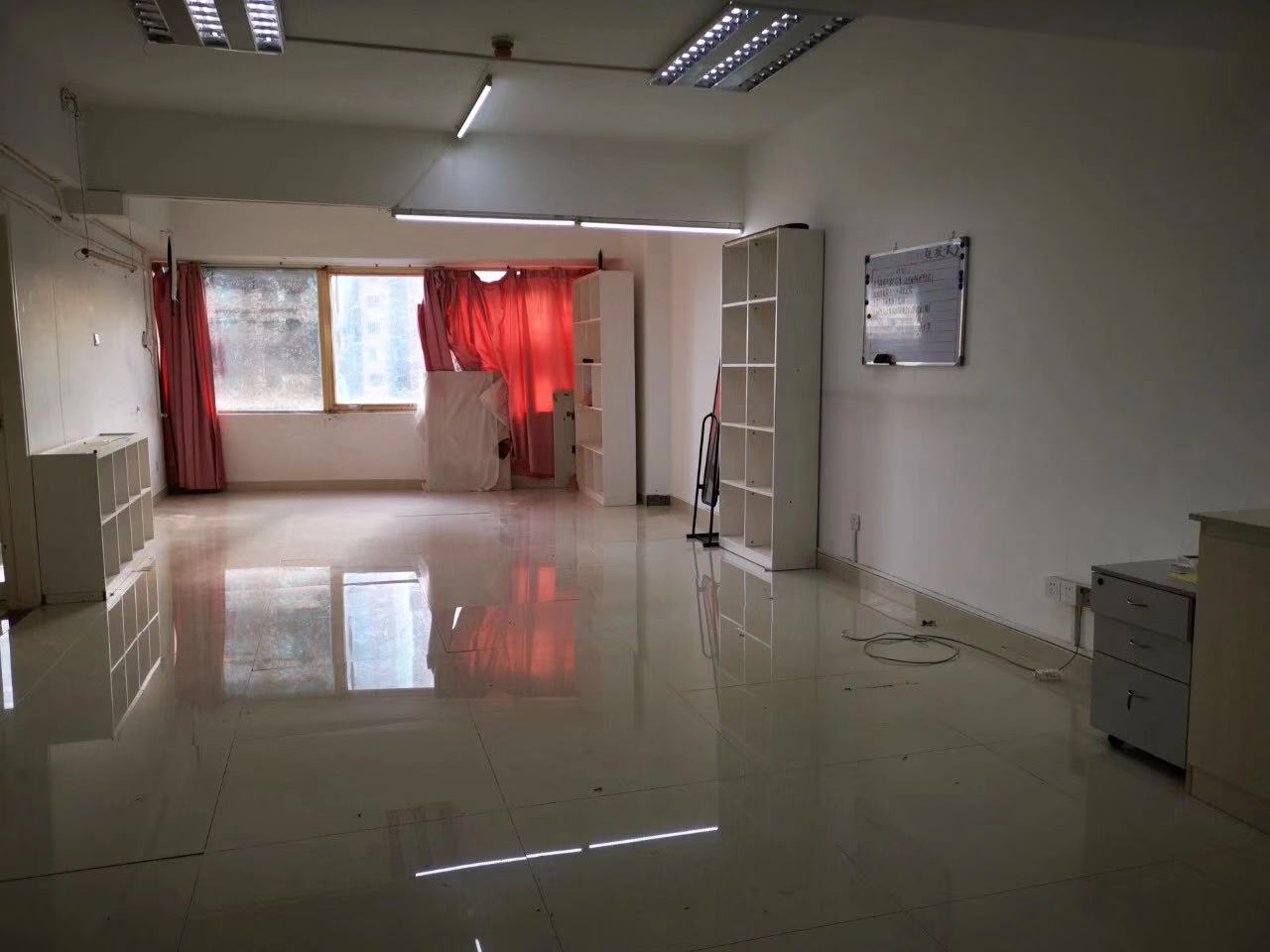 Nice office in shekou for rent