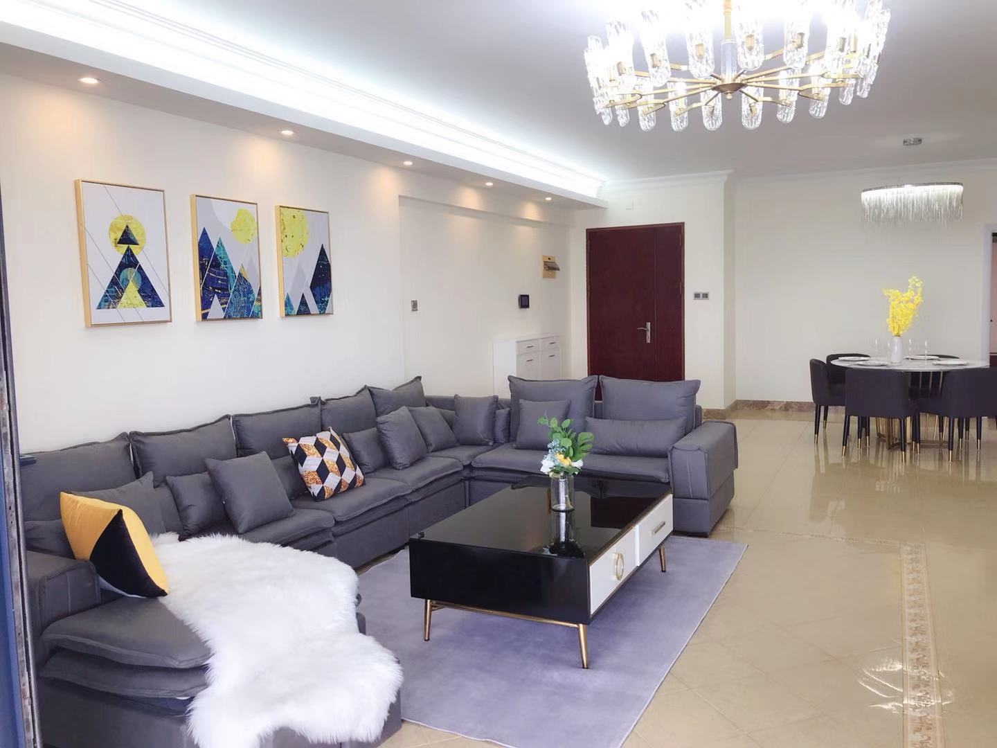Newly renovated  4 bedrooms  apartment in shekou for rent